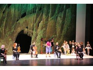 Antalya DOB, Sihirli Dünya'yı sahneliyor