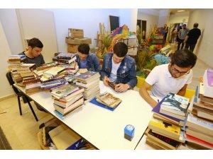 """""""Kitap Köprüsü"""" büyüyor, kitaplar paylaştıkça çoğalıyor"""