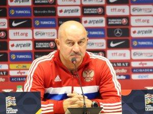 """Stanislav Çerçesov: """"İsveç ve Türkiye maçları bizi zorlayacak"""""""