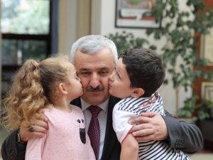 Başkan Baran Dünya Çocuklar Günü'nü unutmadı