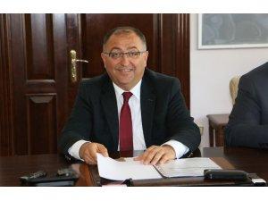 Yalova Belediye Başkanı Salman yeniden aday
