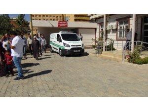 Otomobille motosiklet çarpıştı: 1 ölü, 3 yaralı