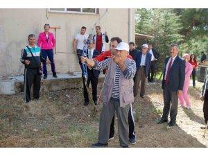 Yaşlılar kıyasıya yarıştı