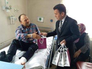 Şehzadeler Belediyesinden hastalara moral ziyareti