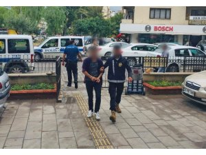 Kuşadası'nda bir cezaevi firarisi ve 2 hırsızlık şüphelisi yakalandı
