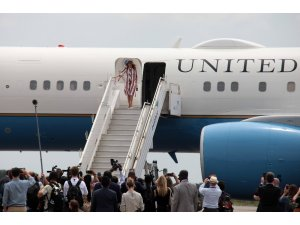 First Lady Melania Trump Afrika turuna başladı