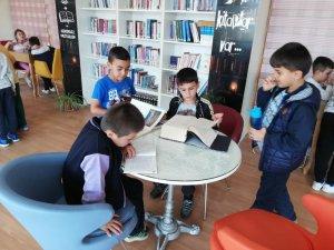 Şuhut'ta öğrencilerin kütüphane sevinci