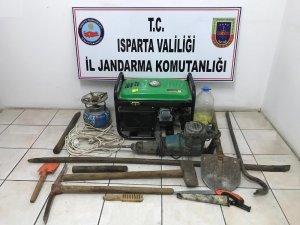Isparta'da kaçak kazıya suçüstü: 5 gözaltı
