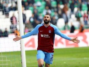 Burak Yılmaz, Galatasaray'daki gollerini aştı