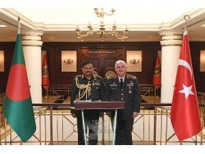 Bangladeşli komutandan Orgeneral Güler'e ziyaret