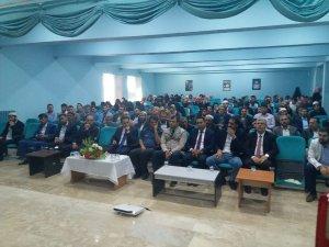 """Çaldıran'da """"Camiler ve Din Hizmetine Adanmış Ömürler"""" konferansı"""