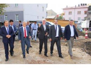 Ağbal, belediye projelerini inceledi