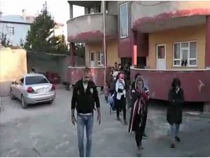 Van'da bin 247 kaçak göçmen yakalandı