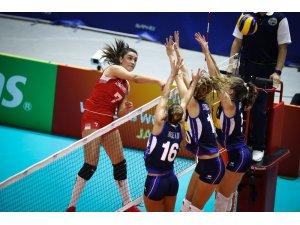 FIVB Kadınlar Dünya Voleybol Şampiyonası: Türkiye: 0 - İtalya: 3