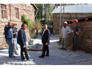 Seydişehir'de parke ve asfalt serimi sürüyor