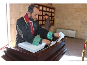 Ankara Barosu başkan adayı Özdemir'den Anıtkabir'e ziyaret
