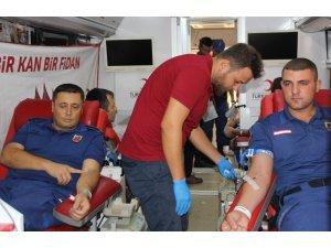 Serik'te Jandarmadan Kızılay'a Kan Bağışı