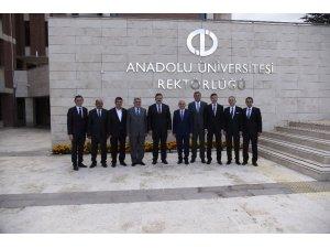 ETO Başkanı, Prof. Dr. Çomaklı'yı ziyaret etti