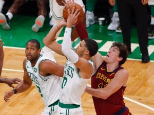 Cedi Osman'lı Cleveland Cavaliers, Boston Celtics'i mağlup etti