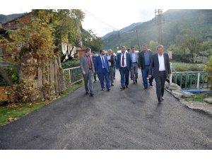 Yenice'de köylerinde sıcak asfalt başladı