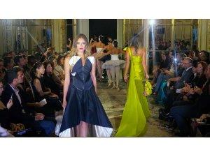 Türk modacı Arzu Kaprol, Paris Moda Haftası'nda