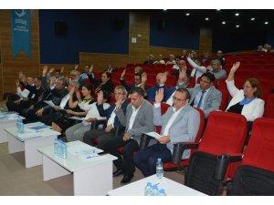 Aliağa Belediye Meclisi'nde 20 madde tek tek oylandı