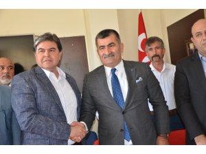 Kozan'da MHP'nin belediye başkan adayı Nihat Atlı