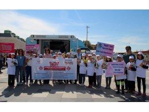 Sağlıkçılar sağlık için yürüdü