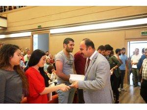 Şanlıurfa'da öğrencilere kitap dağıtıldı