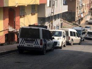 Aynı evde yaşayan Özbek çiftlerin kavgası kanlı bitti