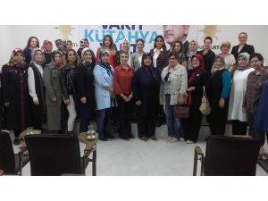 MHP İl Kadın Kolları Başkanlığı'ndan AK Parti İl Kadın Kolları Başkanlığı'na ziyaret