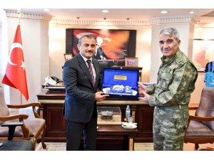 3. Ordu Komutanı Orgeneral Savaş, Tunceli'de