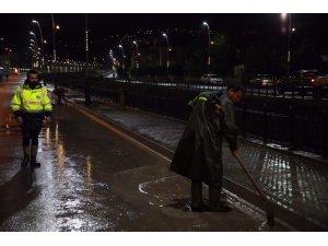 1,5 milyon metreküp yağmursuyu deşarj edildi