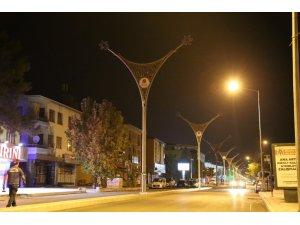 13 Şubat Caddesinde aydınlatma çalışmaları başladı