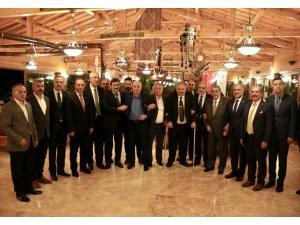 Cumhurbaşkanı Başdanışmanı Topçu akşam yemeğinde gazilerle bir araya geldi