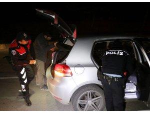 Balıkesir'de yapılan 'Huzur' uygulaması yapıldı: 12 aranan kişi yakalandı