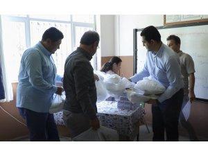 TOBB, MTSO işbirliği ile 800 öğrenciye kırtasiye yardımı yapıldı