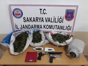 Sakarya'da 2 kilo 820 gram esrar ele geçirildi