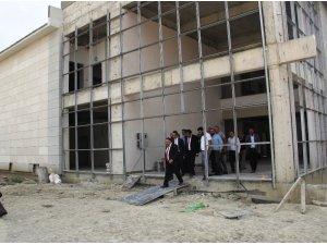 Müdür Akdoğan, devlet hastanesinde incelemelerde bulundu