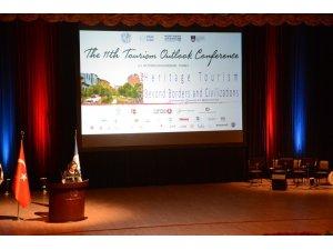 """Anadolu Üniversitesi'nde """"Sınırların ve Medeniyetlerin Ötesinde Miras Turizmi"""" konuşuldu"""