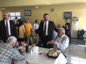 MHP'li Avşar, huzurevi sakinleri ile bir araya geldi
