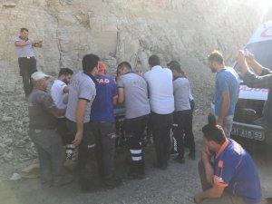 İstinat duvar çöktü: 1 ölü, 2 yaralı