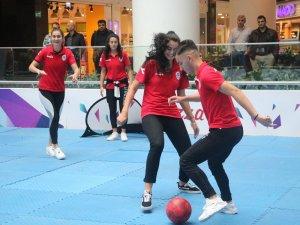 Kadın basketbolcular, Samsunsporlu futbolcuları 5-1 yendi