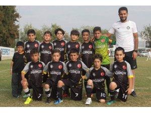 Van Altay Futbol Okulu finalde
