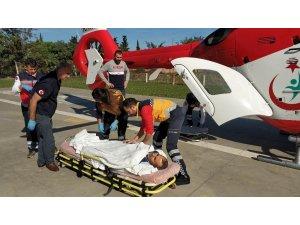 Hayati tehlikesi bulunan hastanın yardımına ambulans helikopter yetişti