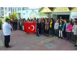 -İLKEM'den, 'Bayrağına, milletine vatanına sevdalı gençlik' programı
