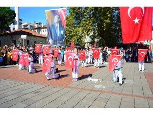 Ünye'de Coşkulu Cumhuriyet töreni
