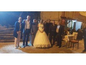 Başkan Duymuş, genç çiftlerin mutluluklarına ortak oldu