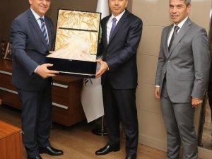 Vali Yerlikaya'dan Başkan Fadıloğlu'na veda ziyareti
