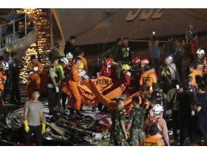 """Endonezyalı yetkililer: """"Uçak kazasından kurtulan olduğunu sanmıyoruz"""""""